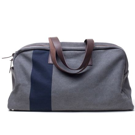 I'm in the market for a weekender. Carry on with style for a weekend in NYC with the lovie. - Everlane Weekender