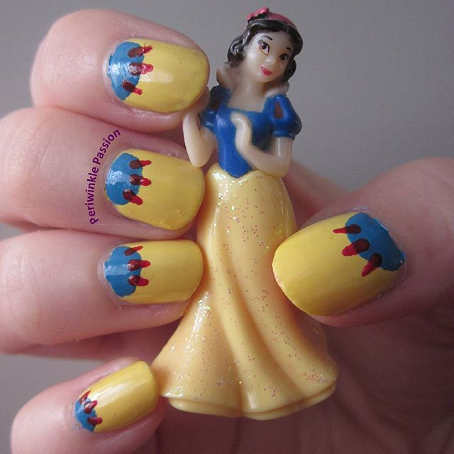 Snow White nail art. YouTube tutorial: https://youtu.be/MSvnu4iU_UU