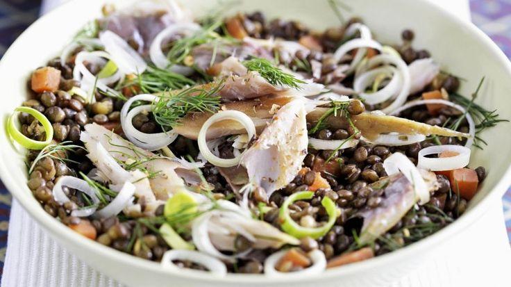 Rezept: Bunter Linsensalat mit Räucher-Makrele