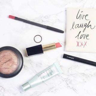 Make up of the day  MAC lipliner: In Anticipation   Estee Lauder Lipstick: Envy   MAC Highlighter: Fairly Precious   MAC Eyeliner: Black   Estee Lauder BB Cream  #make-up #motd #maccosmetics #lipstick #lips #highlighter #esteelauder #eyeliner