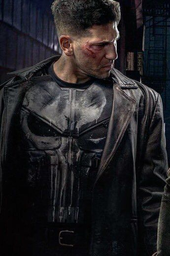 The Skull is ON! Check Out The Punisher and Elektra's New Costumes in…