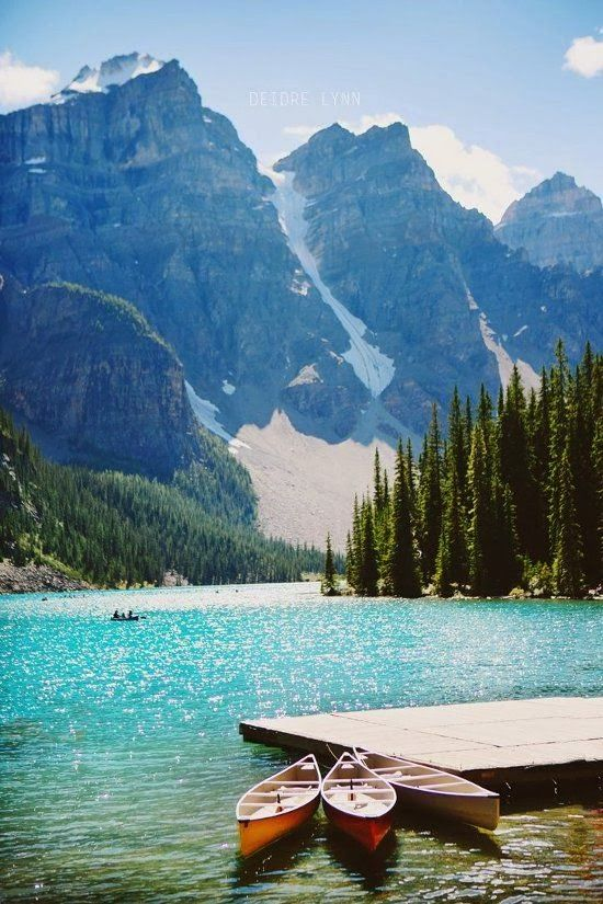 Moraine Lake, Canada | www.traveldiariesapp.com #travel #canada