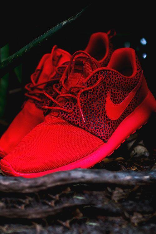 Nike Roshe Run Premium Red Safari