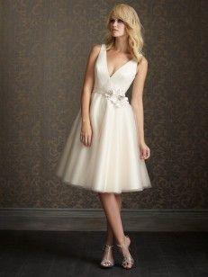 Aライン/プリンセス ストラップ 袖なしの ハンドメイドの花 オーガンジー 茶長さ ウエディングドレス