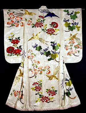 Oh my goodness! What a lovely kimono print! Gorgeous embroidery.