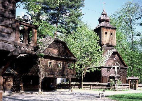 Tip na víkend: Skanzen Rožnov pod Radhoštěm   Rádi cestujeme   nejen levné letenky, ubytování, zimní pobyty