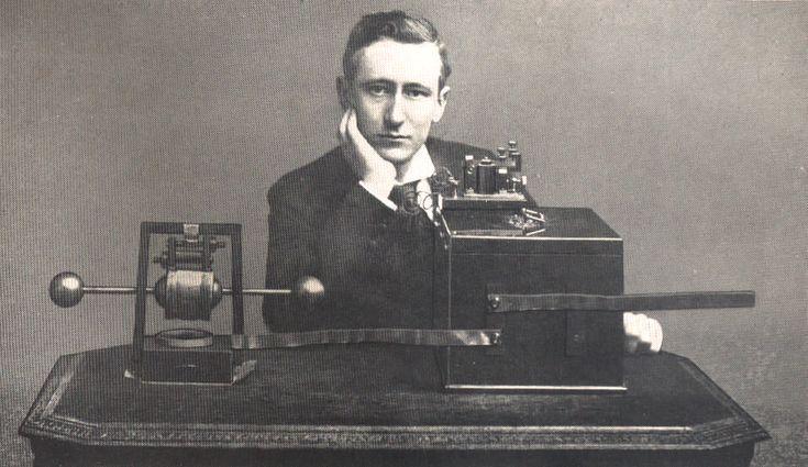 Nel 1909 a Guglielmo Marconi riceve il premio nobel