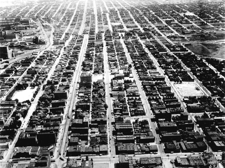 1931: Looking east from Main Street and Pender: City of Vancouver Archives