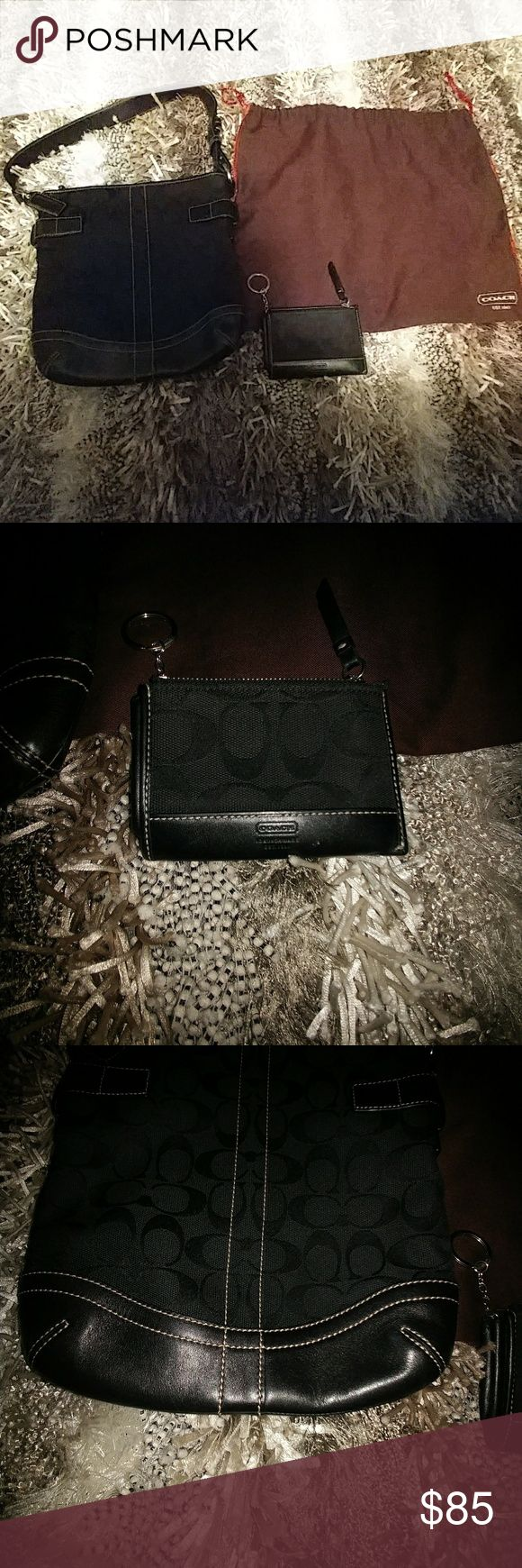 🔥🔥New Item Aleart!! Coach Hobo w/wallet keychain Black Signature Coach Hobo bag with matching keychain wallet. Comes with dust bag. Coach Bags Hobos