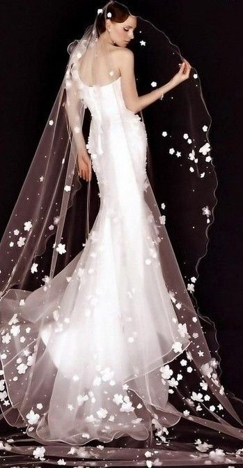 I want a custom veil with dogwood flowers just like this!