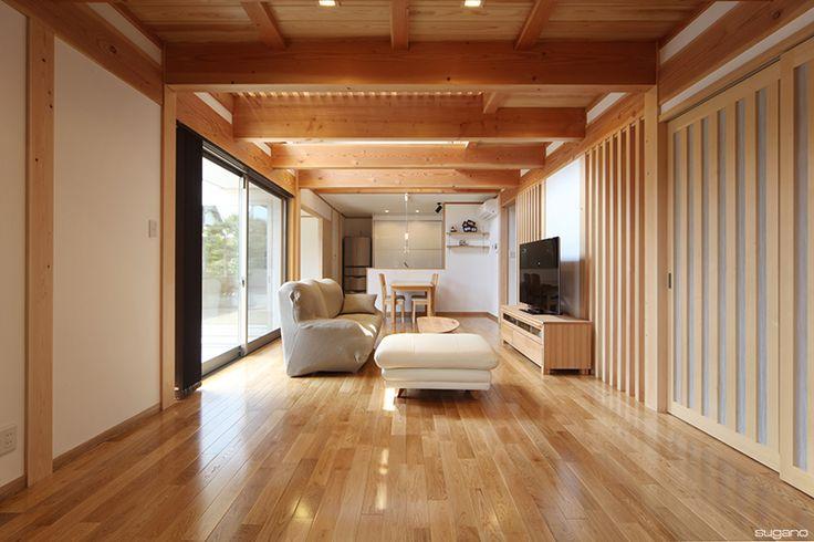 地域材をふんだんに使ったLDK。木の香りに包まれた暮らし。#和風住宅 #自然素材 #住宅 #新築住宅 #家づくり #木質感 #和の住まい #地域材 #ldk #リビング #ダイニング #キッチン #設計事務所 #菅野企画設計