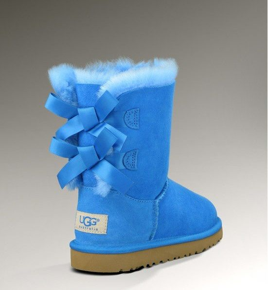 Ugg Womens Bailey Bow 3280 Boots Blue!!! Never seen this color and don't know where I would wear them or what with but I love them