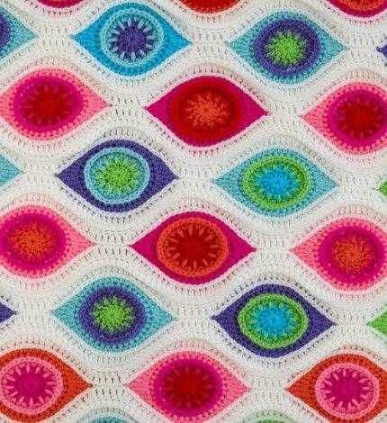 Crochet Retro Ornament Blanket -  ❥ 4U hilariafina  http://www.pinterest.com/hilariafina/