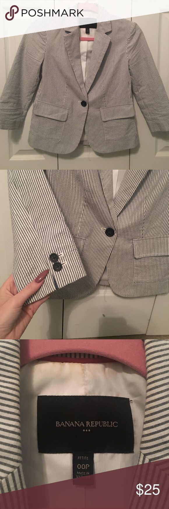Seersucker Blazer Seersucker Blazer from Banana Republic. It is blue and white! There is some discoloration on the inner neck, as seen in picture 3. The price reflects that! Banana Republic Jackets & Coats Blazers