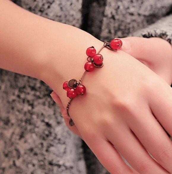 Тонкий медный браслет https://wristband-bracelet.ru/product/тонкий-медный-браслет/  Price:489 Изящный тонкий браслет выполнен из меди, которая известна своими лечебными свойствами и благоприятным воздействием на организм.