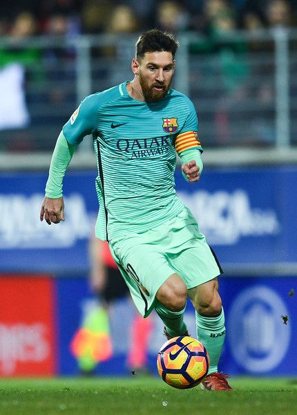 Lionel Messi of FC Barcelona runs with the ball during the La Liga match between SD Eibar and FC Barcelona at Ipurua stadium on January 22, 2017 in Eibar, Spain.