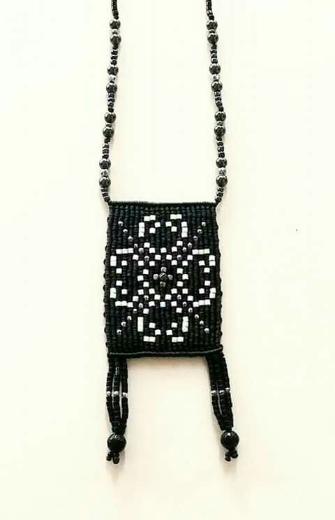 Macrame black and white  necklace