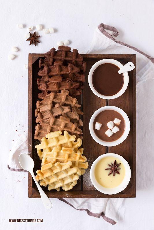 Ombré Schokoladen Waffeln mit dreierlei Trinkschokolade / Cascara