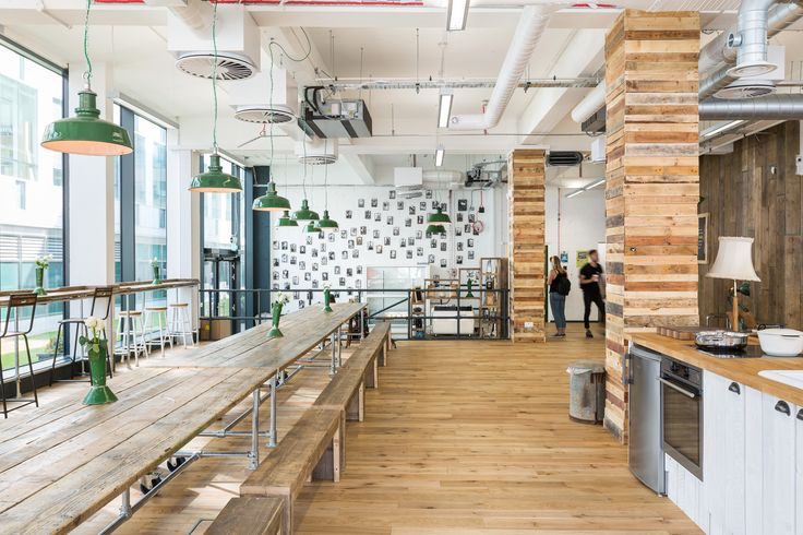 HelloFresh, a popular food subscription startup that sends pre-portioned ingredients to users' doorstep each week, hired interior design and fit-out firm Thirdway Interiors, to design their new headquarters in London's Shoreditch neighborhood. ... Read More