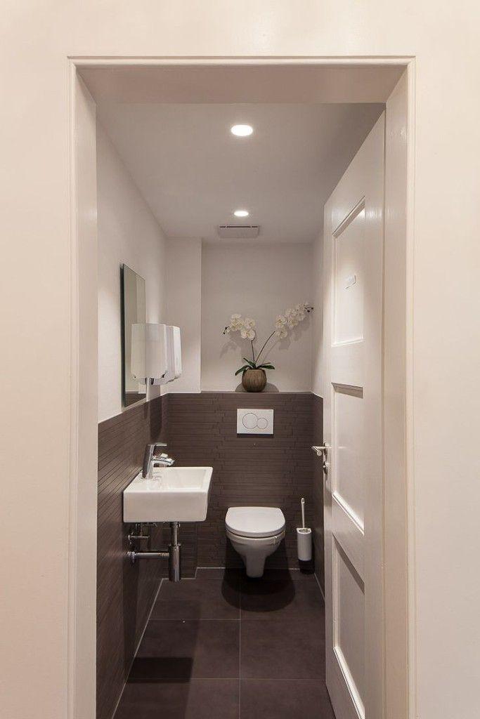25 beste idee n over wc inrichting op pinterest toiletruimte toilet kast en bovenlichten - Rustieke wc ...