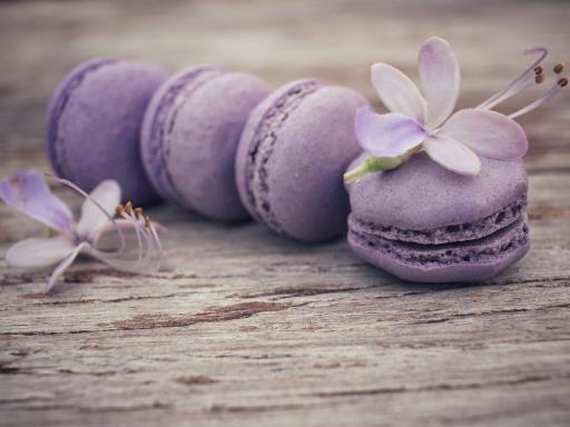 Macarons à la violette : Recette de Macarons à la violette - Marmiton