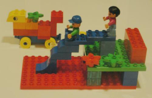 Потенциал Лего очень велик. Помимо развития мелкой моторики и воображения, с этими чудесными наборами можно сочинять сказки