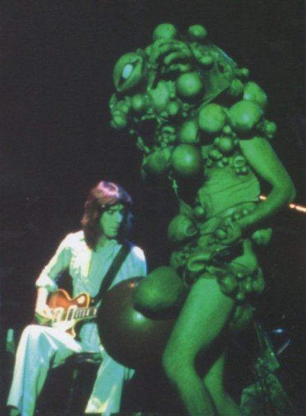 Genesis Steve Hackett and Peter Gabriel in costume The Lamb Lies Down On Broadway