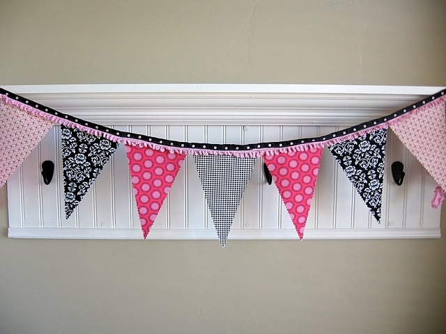 I love this bunting x such pretty combination x
