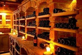 http://www.grossarlerhof.at/de-weinkeller-grossarl.htm  Spitzenweine aus dem best sortiertem Weinkeller in Großarl erwarten Sie im Hotel Grossarlerhof.