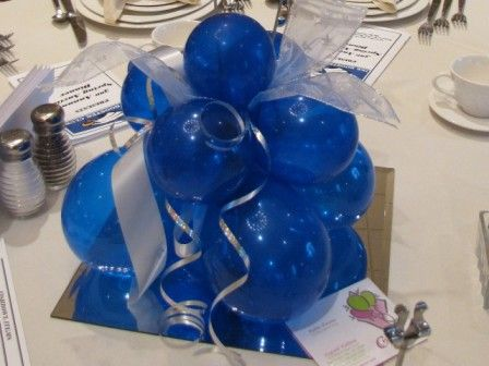 balloon boquets for table center pieces | balloon table arrangements