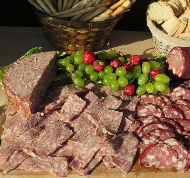 Sorprassata with fresh grapes, salami with bread sticks and Tuscan bread. All Rights Reserved GUIDI LENCI www.guidilenci.com