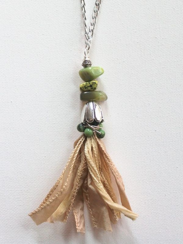 Boho-tassel-necklace-diy-tutorial.jpg by by Kimberlie Kohler...I love tassels and they have become quite a trend. I didn't just want an ordinary tassel, though, so I added some gorgeous gemstones as well. I used beautiful chrysoprase gemstone beads, but you could use any gems you like.