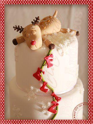Tuckered out little reindeer haha...  Maria João Bolos Artísticos