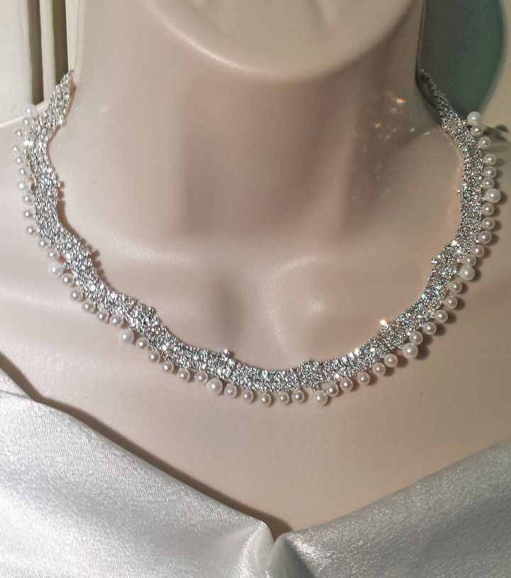 Crystal & Pearl necklace. Perfect for the bride! $35. #weddingjewelry#crystal#pearl