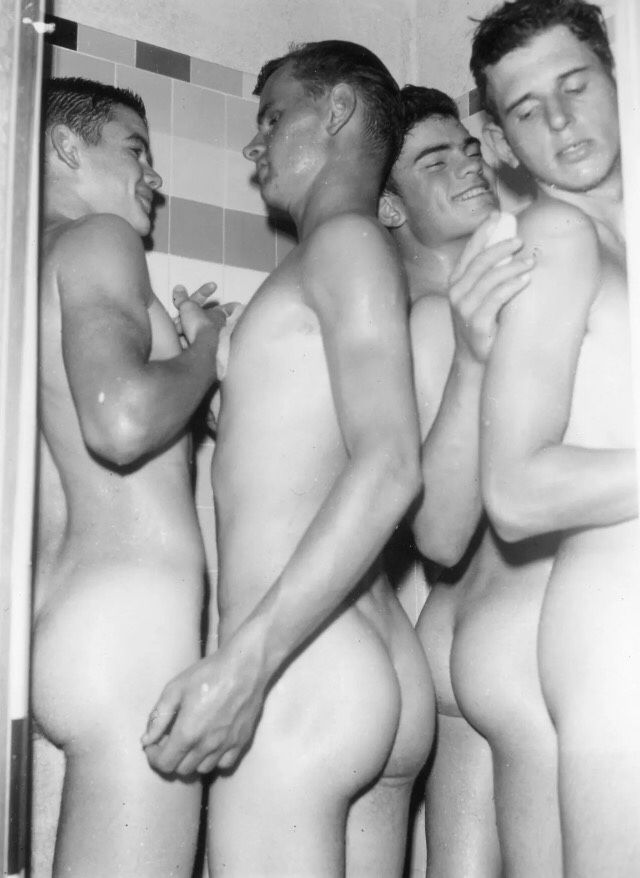 Naked Men'S Locker Room 7