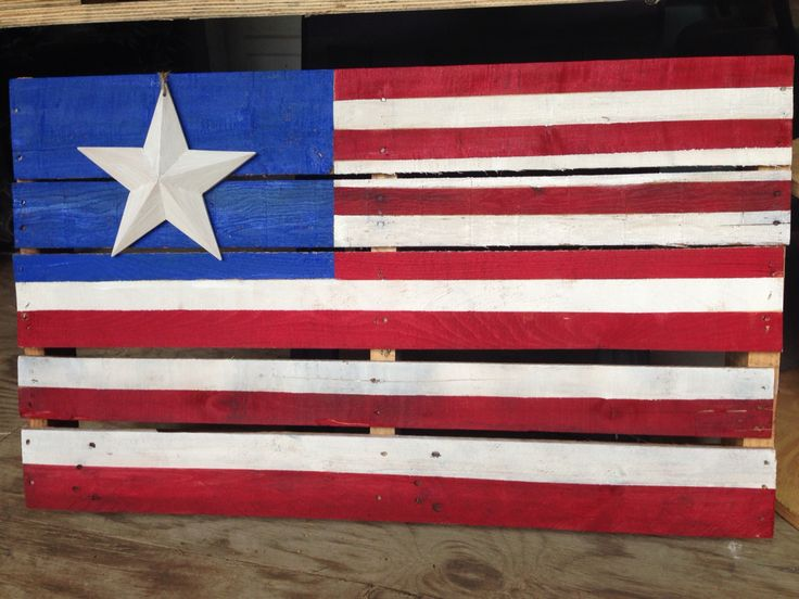 An afternoon pallet project...just in time for Memorial  Day!