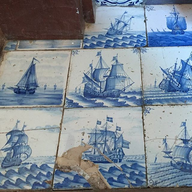 Some amazing six inch Delft ship tiles from a completely tiled fireplace in Wales. We have been asked to do a replacement for the broken one. #handpainted #handmade #blueandwhite #tiles #delfttiles #delft #tinglaze #ship #boat #reptiletiles #delftblue