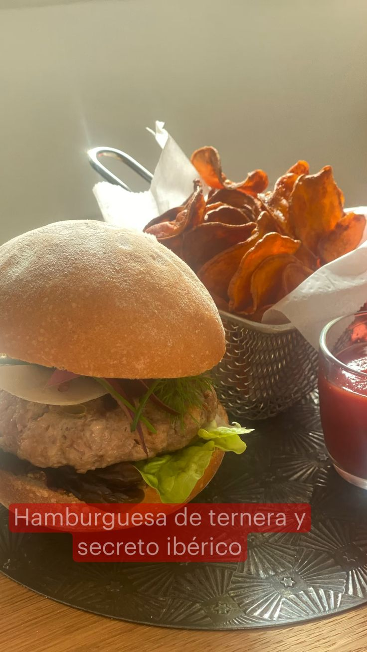 Meat Sandwich, Canapes, Yummy Yummy, Sweet Potato, Hamburger, Food And Drink, Cooking, Healthy, Makeup