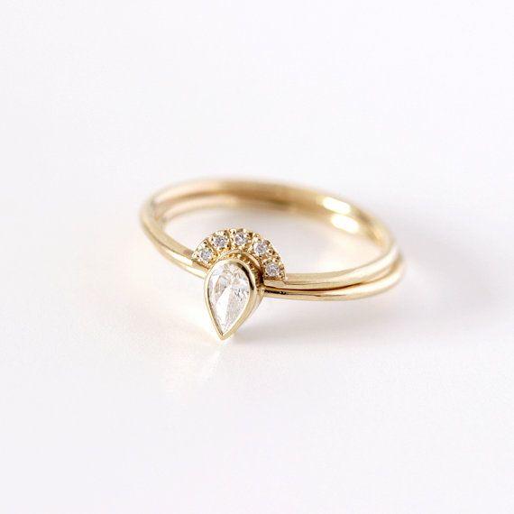 Birne-Diamant-Verlobungsring mit einer Krone Pave von artemer