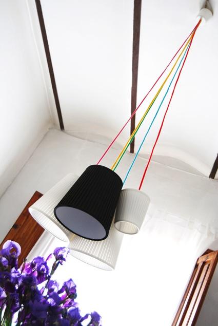 Lampes-suspension cable de couleur - Colorful strings