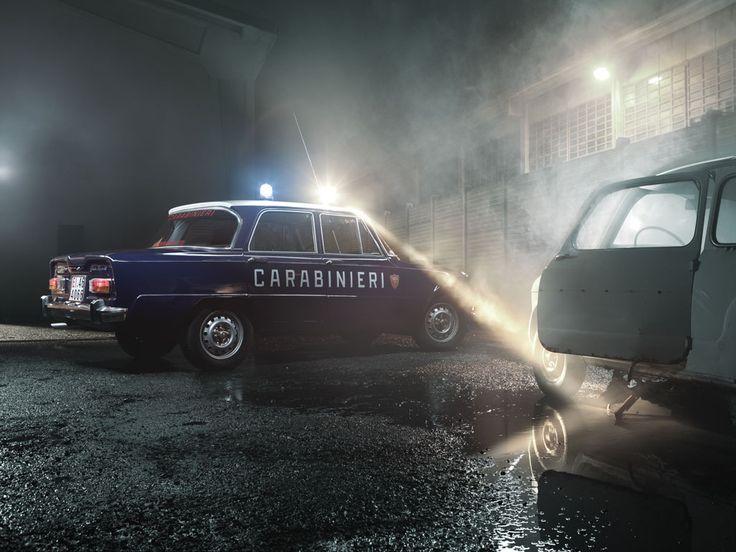 15 best carabinieri images on pinterest police cars for Garage alfa romeo paris