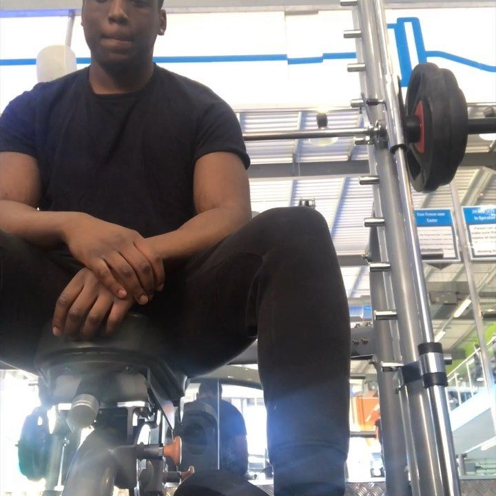 Incline bench press this workout gets me gassed tbh