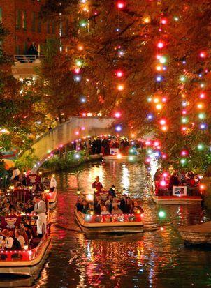 Beautiful Christmas lights , San Antonio River Walk : Jewel of the