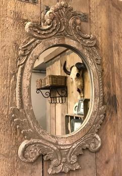 Mooie landelijke brocante houten spiegel Grey antic 57x 33 x 3
