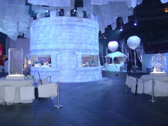 Wintuk Cirque du Soleil Premiere Party at Madison Square Garden, NYC 2007 - Set design by Ian Routhier & Benoit Lusignan © Cirque du Soleil
