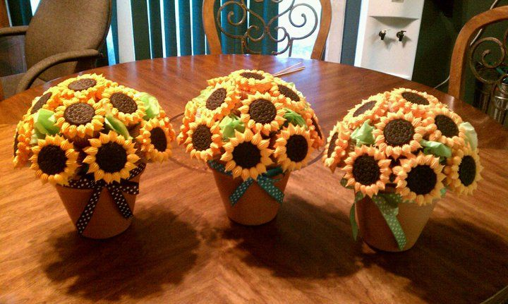 Sunflower Cupcake Bouquets!