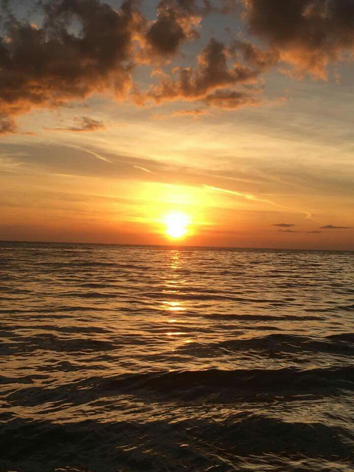 Beautiful sunset photographed by Michelle Vandenbusch at ...