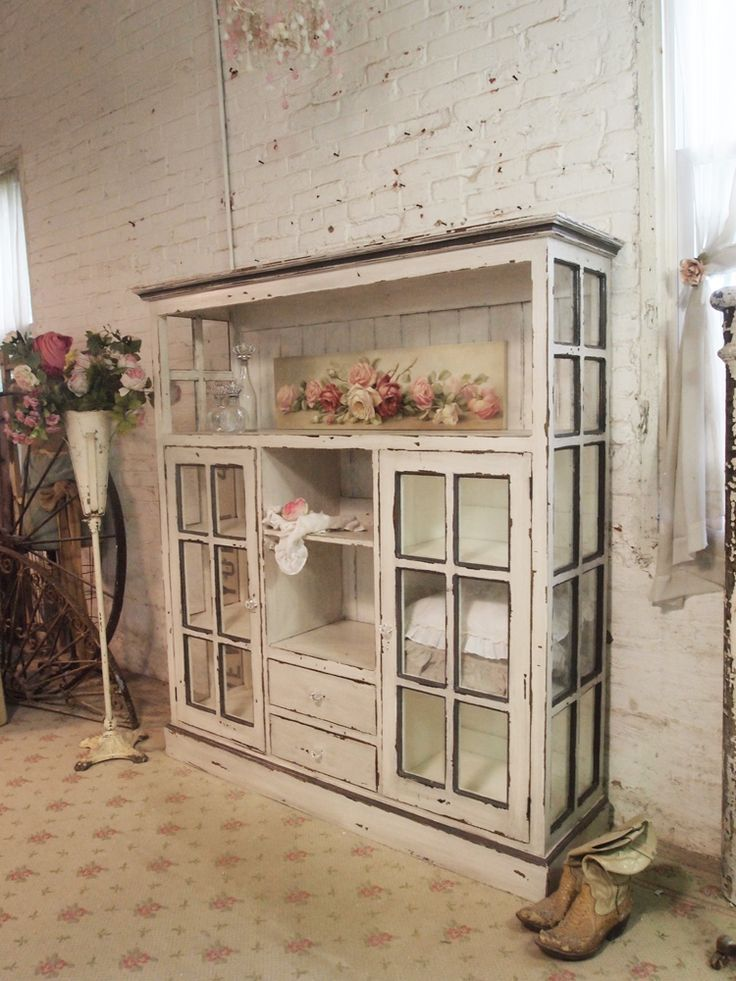 Beautiful cabinet made from old windows