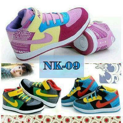 [PRE-ORDER Nike IMPORT] # KODE : NK-09 (Black,Pink,Blue) @Rp.255.000,- Detail Size : 31(19,7cm)-32(20,3cm)-33(21,1cm)-34(21,5cm)-35(22,3cm)-36(22,9cm)-37(24cm)  Ketentuan (PO) : - RETAIL tidak ada minimum order - GROSIR min.6psg bole mix model,warna dan size, harga kurangi 25rb/psg - PO ditutup Tgl.10 Maret,brg tiba pertengahan April (pertimbangkan keterlambatan) - DP min.50%,sisanya dilunasi saat brg ready, brg dikirim setelah lunas - Harga blm termasuk ongkos kirim - NO CANCEL, cancel DP…