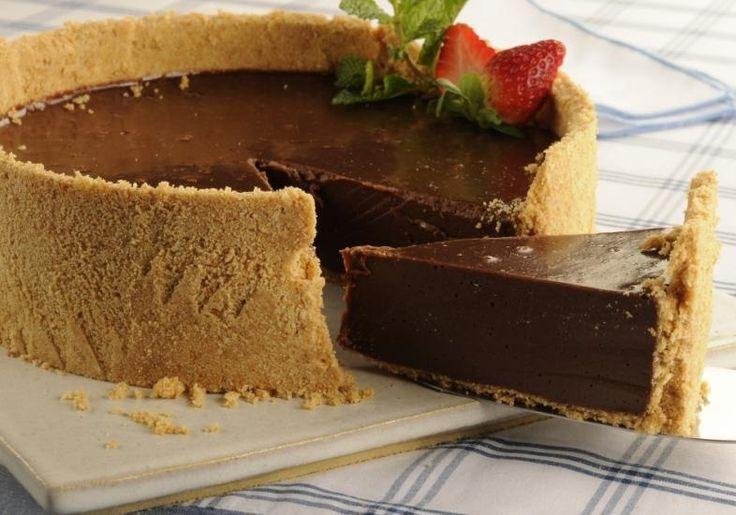 Esta receita de torta de chocolate Low Carb e paleo é ideal para uma sobremesa prática, gostosa e saudável. Tem como ingredientes amêndoas, tâmaras e...